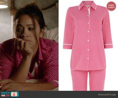 Jane's pink tile printed pajamas on Jane the Virgin. Outfit Details: http://wornontv.net/41799/ #JanetheVirgin