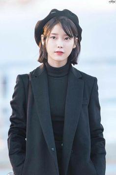 Image about hair in Style Iu Short Hair, Asian Woman, Asian Girl, Korean Celebrities, Celebs, Shot Hair Styles, Shorts Outfits Women, Beautiful Asian Women, Korean Actresses