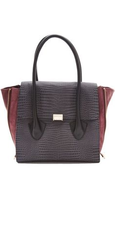 For those looking for a dupe of the @Celine bags! I think this one (albeit still a little pricey) perfect!