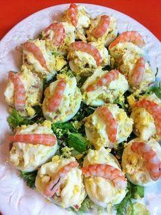 : Huevos Rellenos De Jamón Y Gambas Egg Recipes, Kitchen Recipes, Cooking Recipes, Healthy Recipes, Appetizer Sandwiches, Appetizer Recipes, Crudite, Good Food, Yummy Food