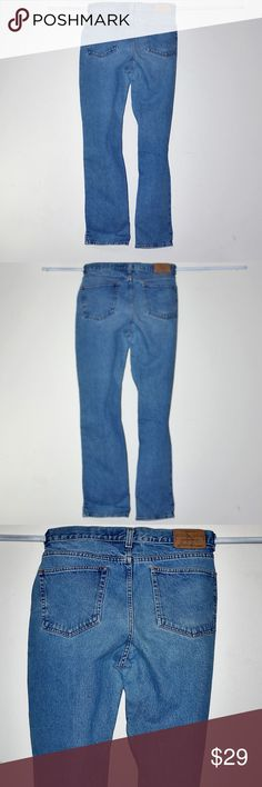 """Mom Jeans 34 x 33 Plus Sz High Waisted Eddie Bauer Mom Jeans 36 x 34 Plus Sz High Waisted Eddie Bauer By Eddie Bauer 100% Cotton Tag Size 36x34 BUT measure 34x33 Front Rise: 11.5"""" Leg opening straight across: 8.5"""" Minimal wear Relaxed fit Eddie Bauer Jeans"""