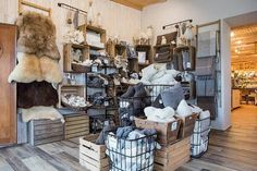guide2Büsum Farm Shop, Lounge Seating, Wooden Desk, Places, Nice Asses