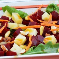 E vară, e caniculă, e perioada concediilor, să deschizi aragazul poate fi o adevărată provocare. Așa că cea mai bună alternativă sunt salatele, sunt ușoare, răcoroase, se prepară repede, ingredientele sunt la îndemâna oricui, iar posibilitățile sunt nelimitate în funcție…
