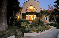 Los Feliz home in a private cul de sac, designed by A.F. Leicht in 1923. He designed over 20 homes in Los Feliz and Hollywood during the 1920′s.