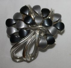 Vintage Brooch Gray and Black Lucite by ilovevintagestuff on Etsy