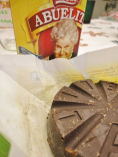 A Mexican Hot Cocoa Recipe for the Crock Pot & A No Fuss Hot Cocoa Bar Party #crockpot #hotcocoa #holidayparty