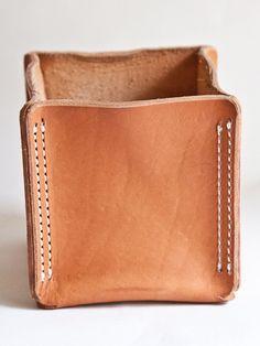 Картинки по запросу stitchless leather case technique italy