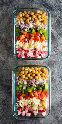 Chopped Chickpea Salad (Make Ahead) - Filly T. This meal prep chopped chickpea salad can be made on the weekend and enjoyed throughout the week! Store them in meal prep containers, or as jar salads. Vegetarian Meal Prep, Lunch Meal Prep, Easy Meal Prep, Healthy Meal Prep, Vegetarian Recipes, Healthy Recipes, Healthy Protein, Delicious Recipes, Keto Recipes