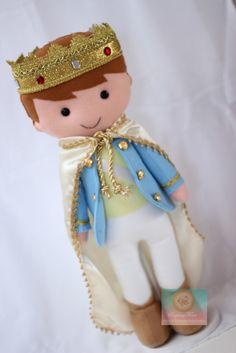 Diy Leather Wallet Pattern, Felt Doll House, Felt Fairy, Sewing Toys, Boy Doll, Fairy Dolls, Soft Dolls, Felt Toys, Doll Crafts