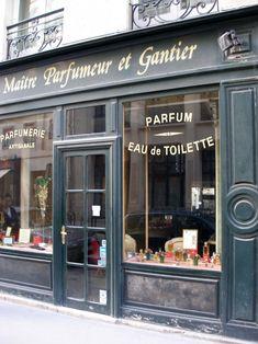 Maitre Parfumeur et Gantier - Paris