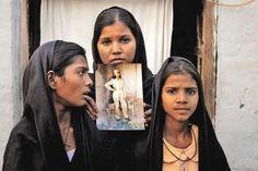 Papa tenta travar execução de cristã no Paquistão