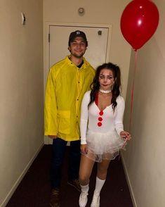 Couples College halloween costume ideas Pennywise Halloween Costume, Easy Couple Halloween Costumes, Cute Couples Costumes, Halloween Look, Halloween Outfits, Funny Costumes, Couple Costumes, Funny Couple Halloween Costumes, Halloween City