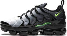 Nike Air Vapormax Plus - 924453 009 Nike Air Max Jordan, Nike Air Max Plus, Jordan Swag, Black Nike Sneakers, Air Max Sneakers, Nike Trainers, Hype Shoes, Men's Shoes, Flat Shoes