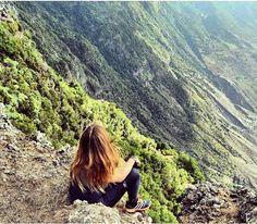 "186 Me gusta, 6 comentarios - Jenifer Mavarez Padrón. (@jenifermp) en Instagram: """"Verde que te quiero verte"" 😊 ____ #islascanarias #quesuerteviviraqui #estaes_canarias #ElHierro"""
