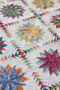 Beautiful quilt - love the flying geese.mom you'll know what flying geese are, right. Longarm Quilting, Free Motion Quilting, Machine Quilting, Quilting Projects, Quilting Designs, Quilting Ideas, Amische Quilts, Star Quilts, Quilt Blocks