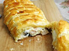 Laminated braided ham, goat cheese and olives - - Batch Cooking, Cooking Recipes, Bagel Recipe, Spanakopita, Goat Cheese, Barbecue, Entrees, Goats, Brunch