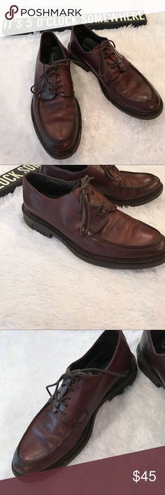 "Kenneth Cole New York Men's Brown Leather Shoes Kenneth Cole men's Lace up oxford style dress/ Formal shoes. Size 10. Brown leather 1"" heel. Soles are in excellent condition. Non slip. Made in Italy. Kenneth Cole Shoes Oxfords & Derbys"