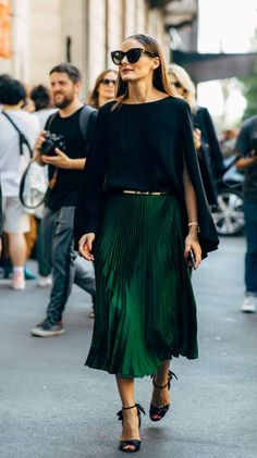 Olivia Palermo Street Style Street Fashion Streetsnaps Streetlook Street Chic Streetstyle Fashion Outfit Street looks Trends Street snaps Style Look Fashion, Skirt Fashion, Street Fashion, Trendy Fashion, Autumn Fashion, Fashion Outfits, Womens Fashion, Fashion 2018, Trendy Style
