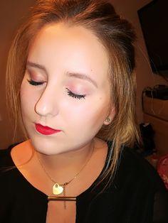Makeup. Makijaż z czerwienią. Odrobina różu na powiekach. Wydaje mi się że nie przesadziłam😍😎