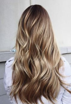 Caramel and blonde balayage hair color 2018 for short, long, medium length hair, pictures of honey blonde and copper blonde balayage hairstyles for fine straight hair, thick and thin curly hair Brown Blonde Hair, Neutral Blonde, Carmel Blonde Hair, Beige Blonde, Caramel Hair, Thick Blonde Hair, Pretty Blonde Hair, Pearl Blonde, Caramel Ombre