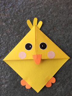 Cute animal corner bookmark fun activity for kids, cute gift idea _ Baby chick … – Origami Bookmark Craft, Bookmarks Kids, Corner Bookmarks, Origami Bookmark, Origami Simple, Cute Origami, Easter Crafts For Kids, Preschool Crafts, Marque Page Origami