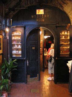 New Orleans Culinary History Tours' Tasting Tour of the French Quarter will immerse you in the history of New Orleans while learning how its unique cuisine has evolved.