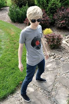 Dave Strider -- Homestuck ((YOU DON'T UNDERSTAND HOW BADLY I WANT THIS SHIRT, BUT THEY DON'T SELL IT ANYMORE!))
