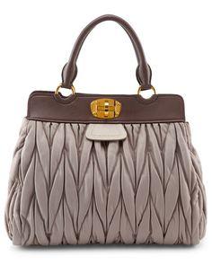 Absolutely Love this. Stylish Handbags, Best Handbags, Purses And Handbags, Grey Leather Boots, Miu Miu Matelasse, Excess Baggage, Buy Bags, Miuccia Prada, Stylish Clothes