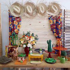 Painel de Festa Junina: 70 modelos e tutoriais para um verdadeiro arraiá First Birthday Favors, Happy Birthday Kids, 28th Birthday, Luau Birthday, Unicorn Birthday, Birthday Parties, Sweet Sixteen Parties, School Decorations, Ideas Para Fiestas