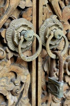 Bali Door close up