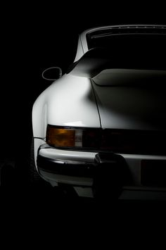 Beautiful classic lines Porsche 911, Ferdinand Porsche, Vintage Race Car, Love Car, Car Detailing, Bugatti, Motor Car, Cars Motorcycles, Luxury Cars