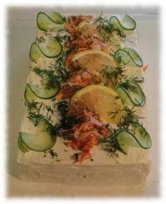 lämminsavulohi Sandwich Cake, Cheesecakes, Fresh Rolls, Zucchini, Vegetables, Ethnic Recipes, Entertainment, Food, Party