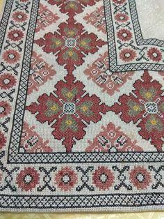 Counted Cross Stitch Patterns, Cross Stitch Embroidery, Cross Stitches, Embroidery Designs, Bohemian Rug, Carpet, Crafts, Fabrics, Farmhouse Rugs