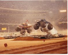 A thrown rod blows BIGFOOT engine mid flight during a race at the Superdome between John Piant (BIGFOOT) and Jack Willman's Taurus. New Orleans, Pink Lifted Trucks, Custom Lifted Trucks, Lifted Trucks For Sale, Big Trucks, F150 Lifted, Monster Trucks, Monster Truck Party, Monster Jam, 2008 Chevy Silverado 1500