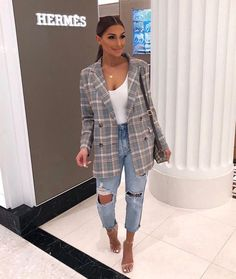 Trendy Spring Fashion Outfits You Can Copy Trendy Spr. - Trendy Spring Fashion Outfits You Can Copy Trendy Spring Fashion Outfits You Can Copy Source by naomi_schiopu - Spring Fashion Outfits, Look Fashion, Fall Outfits, Fashion Dresses, Jeans Fashion, Fashion Beauty, Chic Fashion Style, Dress Outfits, Fashion Clothes