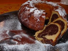 Bábovka s kyslou smotanou (fotorecept) French Toast, Cooking Recipes, Pudding, Cupcakes, Breakfast, Bundt Cakes, Food, Basket, Recipes