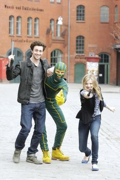 Aaron Taylor Johnson Superhero Movies, Comic Movies, Aaron Taylor Johnson, Chloe Grace Moretz, King Queen, Man Crush, Doctor Who, I Movie, Poses