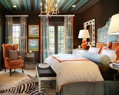 Chocolate brown walls bedroom turquoise orange china seas striped ceiling= LOVE THE COLORS/JAM House Of Turquoise, Bedroom Turquoise, Coral Bedroom, Bedroom Colors, Dream Bedroom, Home Bedroom, Master Bedroom, Bedroom Decor, Bedroom Modern