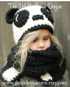 Crochet PATTERN-The Paige Panda Hat/Scarf por Thevelvetacorn
