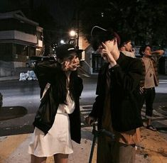Find images and videos about ulzzang, ulzzang couple and korean couple on We Heart It - the app to get lost in what you love. Cute Couples Photos, Cute Couples Goals, Couple Goals, Couple Photos, Boy And Girl Best Friends, Korean Best Friends, Boy Or Girl, Ulzzang Couple, Ulzzang Girl