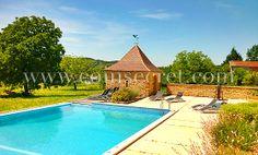 Location d'une maison de vacances avec piscine à La Chapelle Aubareil dans le Périgord Noir. Vacation rental in Dordogne, France.