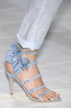 """Beautiful Shoes - """"Surely I am your Lord, therefore put off your shoes;surely you are in the holy valley, Tuwa,"""" Surah Taha, 12 Pretty Shoes, Beautiful Shoes, Cute Shoes, Me Too Shoes, Pumps, Stilettos, Stiletto Heels, High Heels, Blue Heels"""