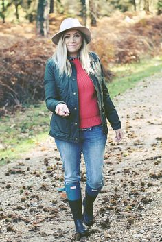 lifestyle country fashion - Google Search Country Fashion, Outdoor Wear, Vest, Lifestyle, Google Search, Boots, Jackets, How To Wear, Down Jackets