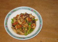 Im Wok gebratene Shiitake-Pilze mit Tomaten - http://barbaras-spielwiese.blogspot.de/2013/01/gebratene-shiitake-pilze-mit-tomaten.html