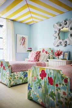Every Room In This Incredible Townhouse Is Different Nick Olsen New York House Tour – Photos of Nick Olsen Interior Design kids bedroom twin beds Interior Modern, Home Interior, Scandinavian Interior, Scandinavian Style, Striped Ceiling, Romantic Bedroom Decor, Shabby Bedroom, Bedroom Curtains, Shabby Cottage