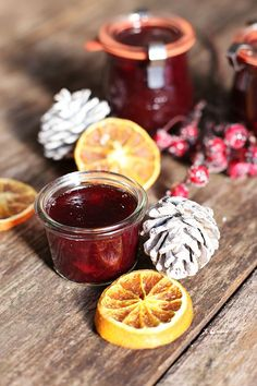 Rezept Glühwein-Kirsch-Marmelade Chutneys, Jam Recipes, Cookie Desserts, Moscow Mule Mugs, Little Gifts, Macarons, Tapas, Alcoholic Drinks, Christmas Crafts