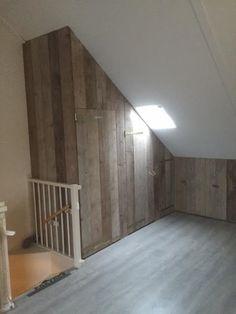 Cupboard around CV Ketel Attic Loft, Loft Room, Attic Rooms, Small Room Bedroom, Bedroom Decor, Fitted Bedroom Furniture, Cosy House, Closet Layout, Attic Conversion