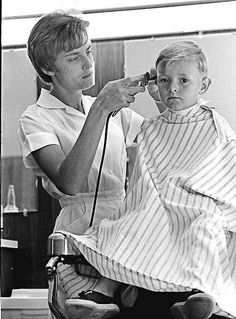 Latest Pics, Barber Shop, Hair Cuts, Hair Beauty, Guys, Couple Photos, Lady, Shops, Classic