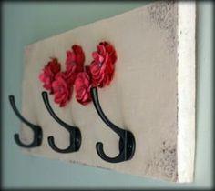 DIY Key Holder : DIY Clay Flower Embellished Key Holder
