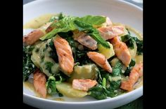 Bramborový salát s lososem
